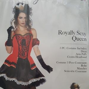 Royally Sexy Queen Costume
